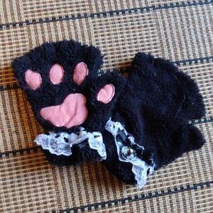 Accessories - Cute black paw mittens